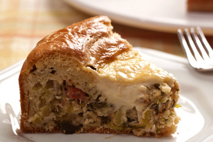 Torta cremosa de frango com requeijão e escarola light