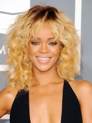 rihanna 2012 grammy awards become gorgeous thumb