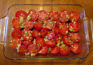 Baking Pan with Tomatoes, Leeks, Garlic & Italian Herbs