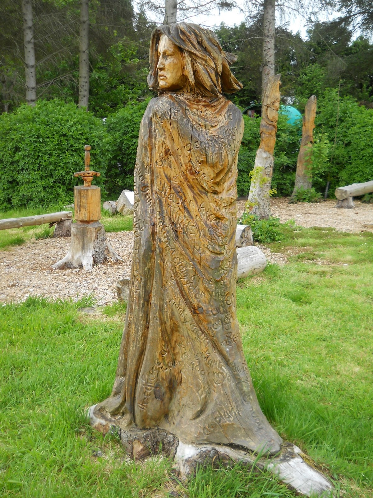 Large wooden outdoor sculptures at lake vyrnwy and bala in