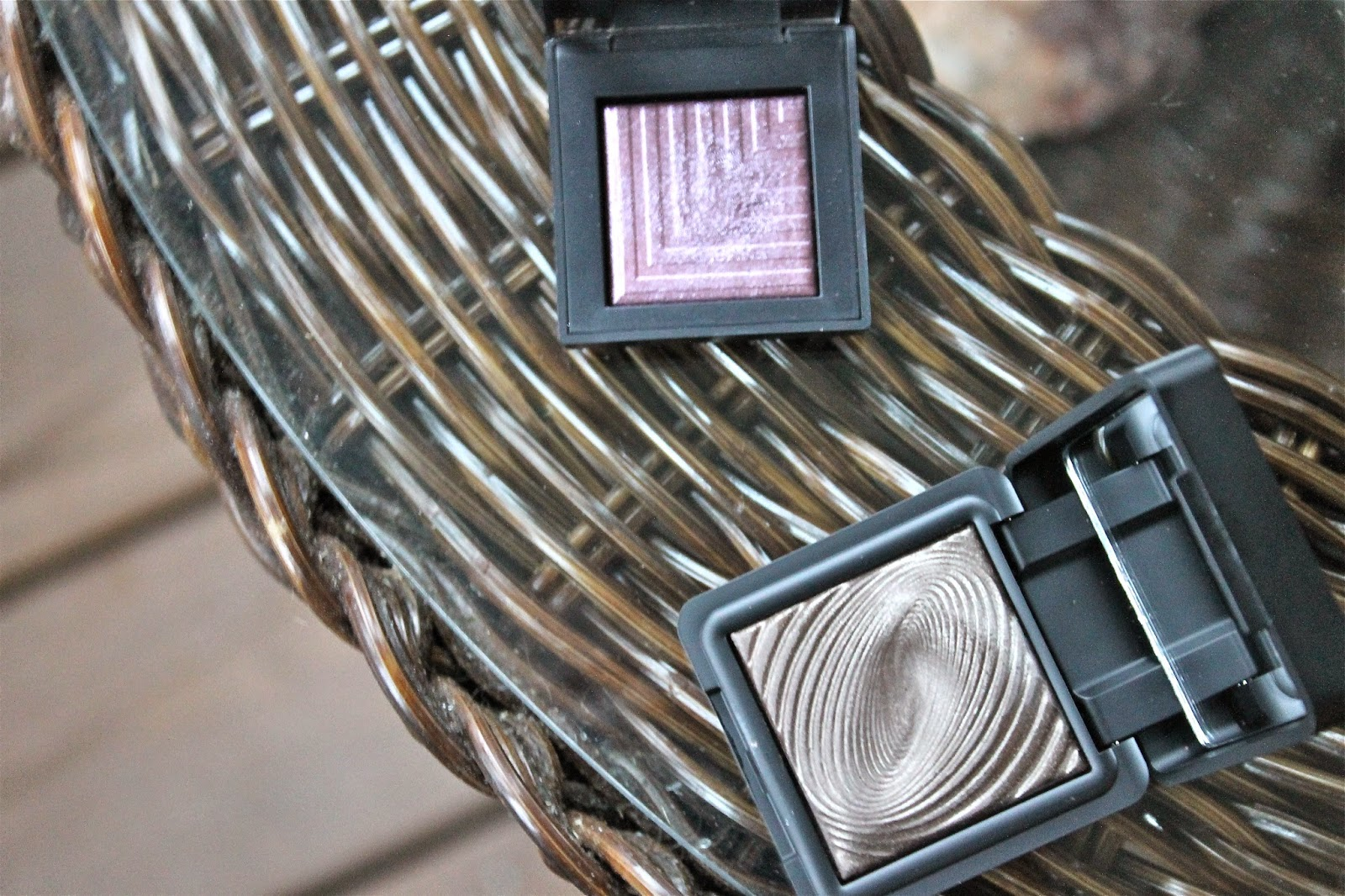A DUPE FOR NARS DUAL-INTENSITY EYESHADOW