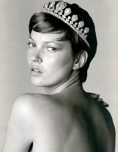 Golden dreamland kate moss great fashion campaigns and - Paris 2000 hair salon ...