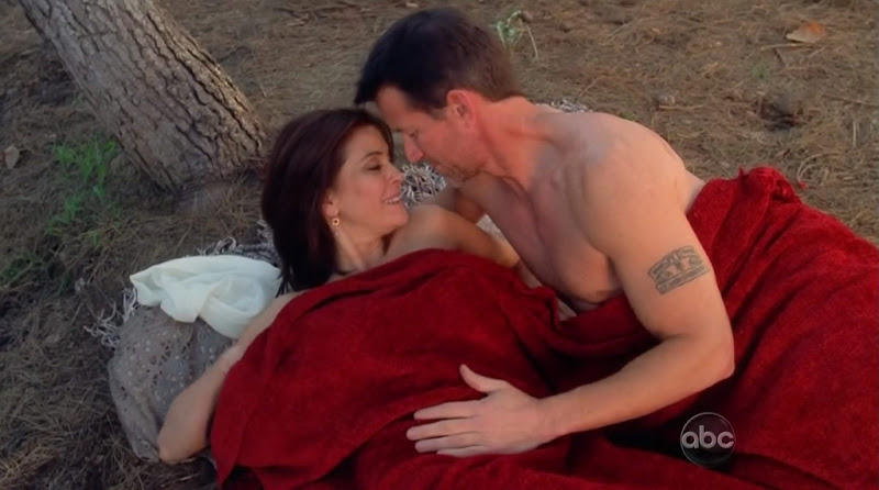 James Denton Shirtless on Desperate Housewives s7e16