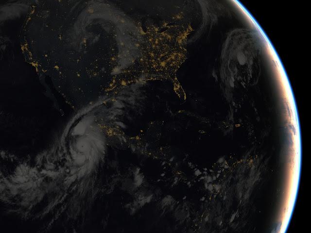 Hình ảnh vệ tinh của NOAA cho thấy lúc cơn bão đang sắp sửa tiến vào Mexico vào ngày 23/10.