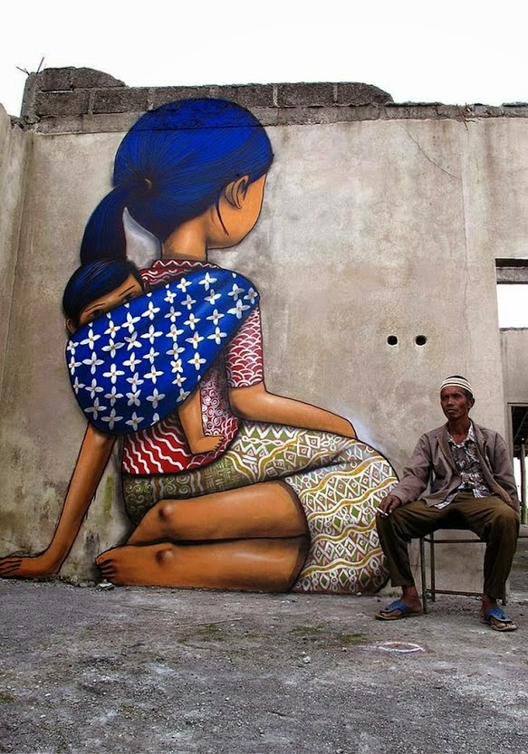 Amazing Lady With Her Child, Street Art