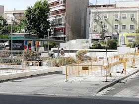 Protestas vecinales por las obras que se llevan a cabo en la plaza del Poeta Leopoldo de Luis