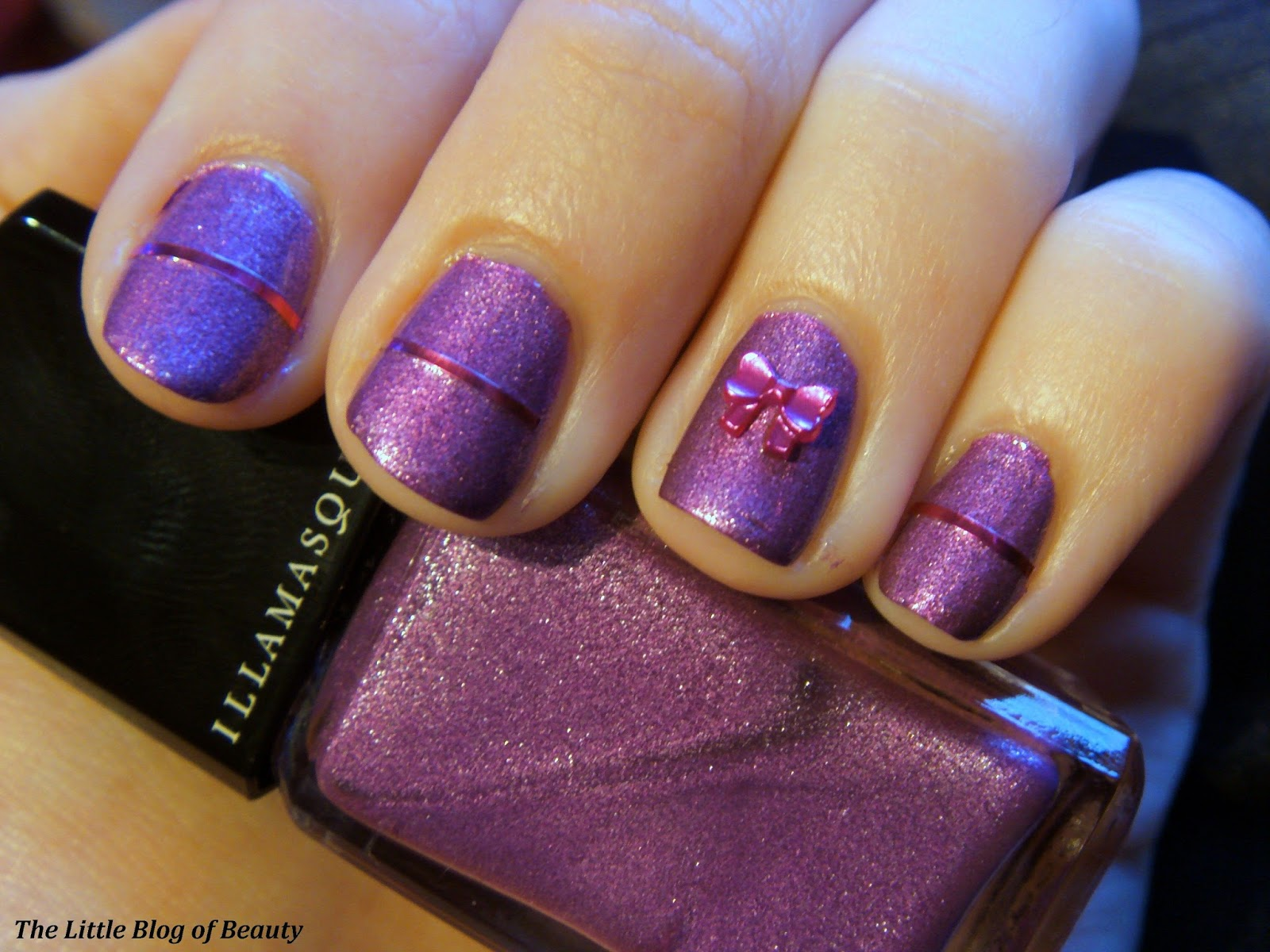 Christmas nail art - gift wrapped nails | The Little Blog of Beauty