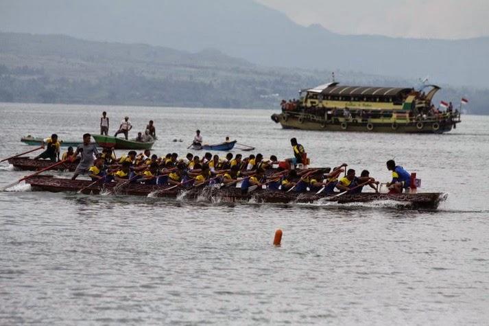 Galeri - Mengintip Acara Festival Danau Toba 17 - 21 September 2014