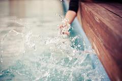 Hay 3 cosas en la vida que se van y no regresan jamás: las palabras, el tiempo y las oportunidades.