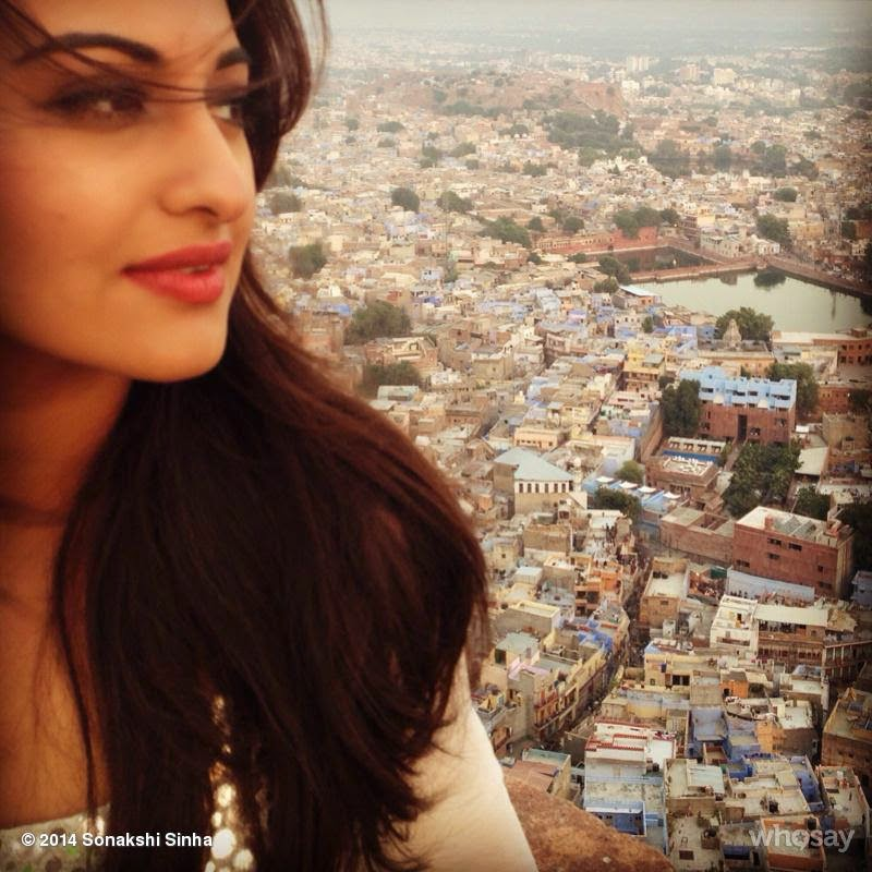 Sonakshi Sinha at Blue City Jodhpur while shooting for holiday the film!