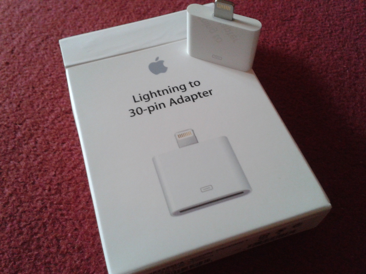 Apple Lightning Adaptor on Box