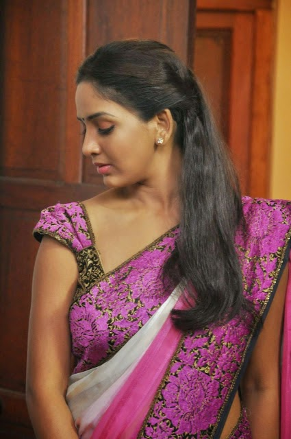 Spicy Actress Bhavani Reddy Stills From Ini Avane Tamil Movie