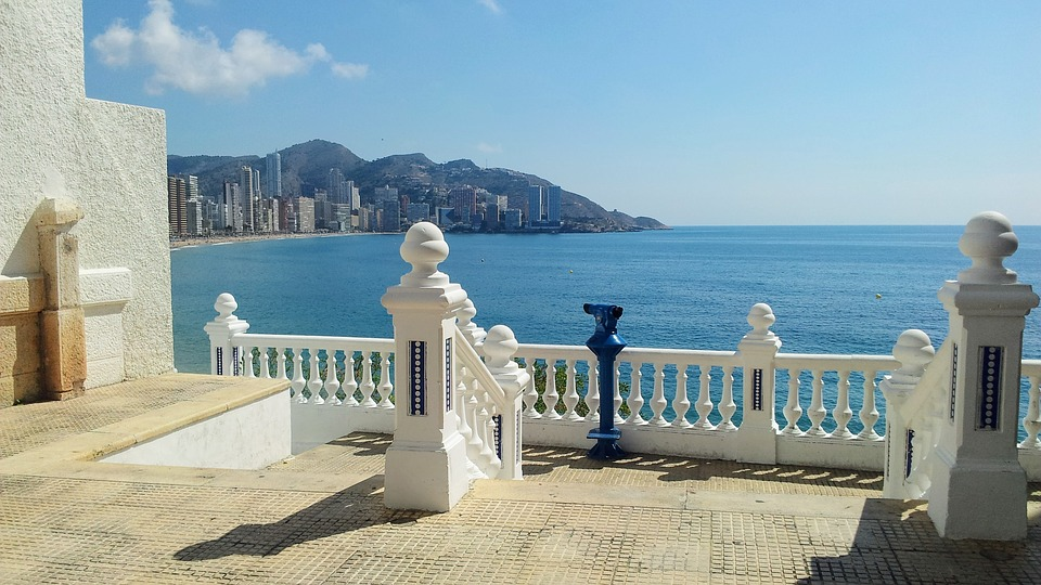 Summer Holidays, Head to Benidorm