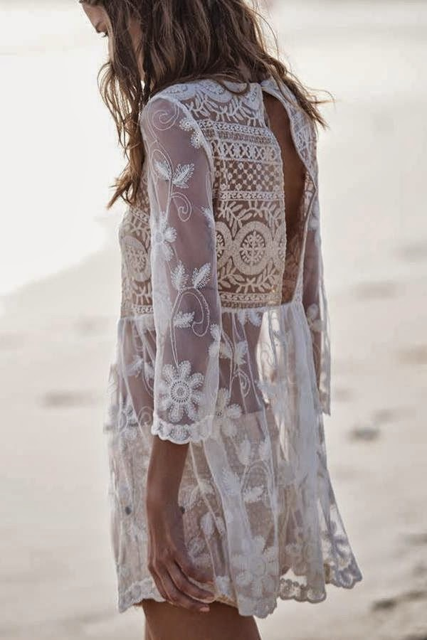 white lace dres