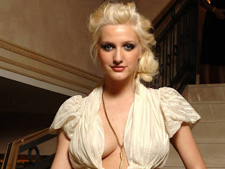 Ashlee Simpson Hot