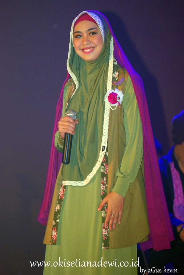 "Tutorial Hijab Pashmina Oki Setiana Dewi"" – All Your Hijab Styles ..."