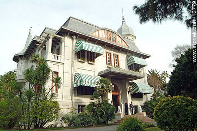 Casas presidenciales taringa for Muebleria mi casa montevideo