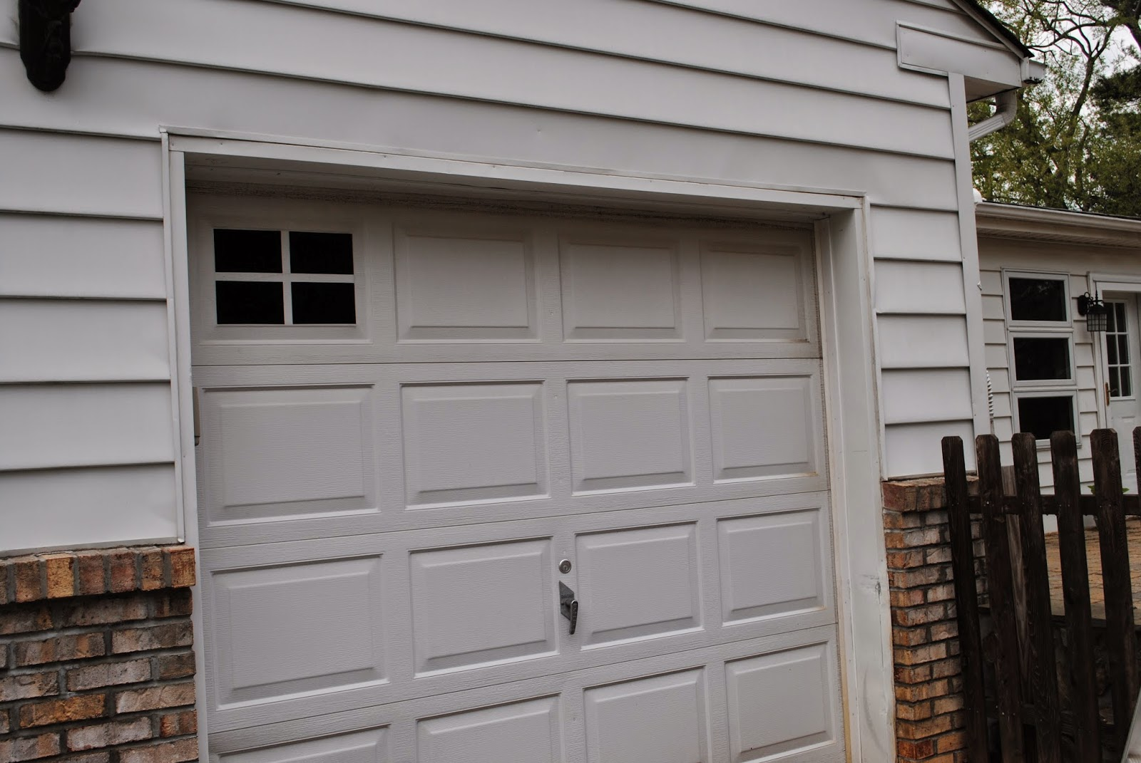 Two It Yourself Diy Faux Carriage Garage Door Makeover