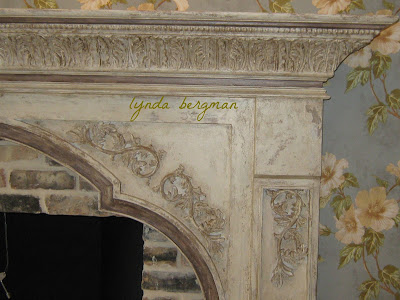 painted mantel to look old and distressed