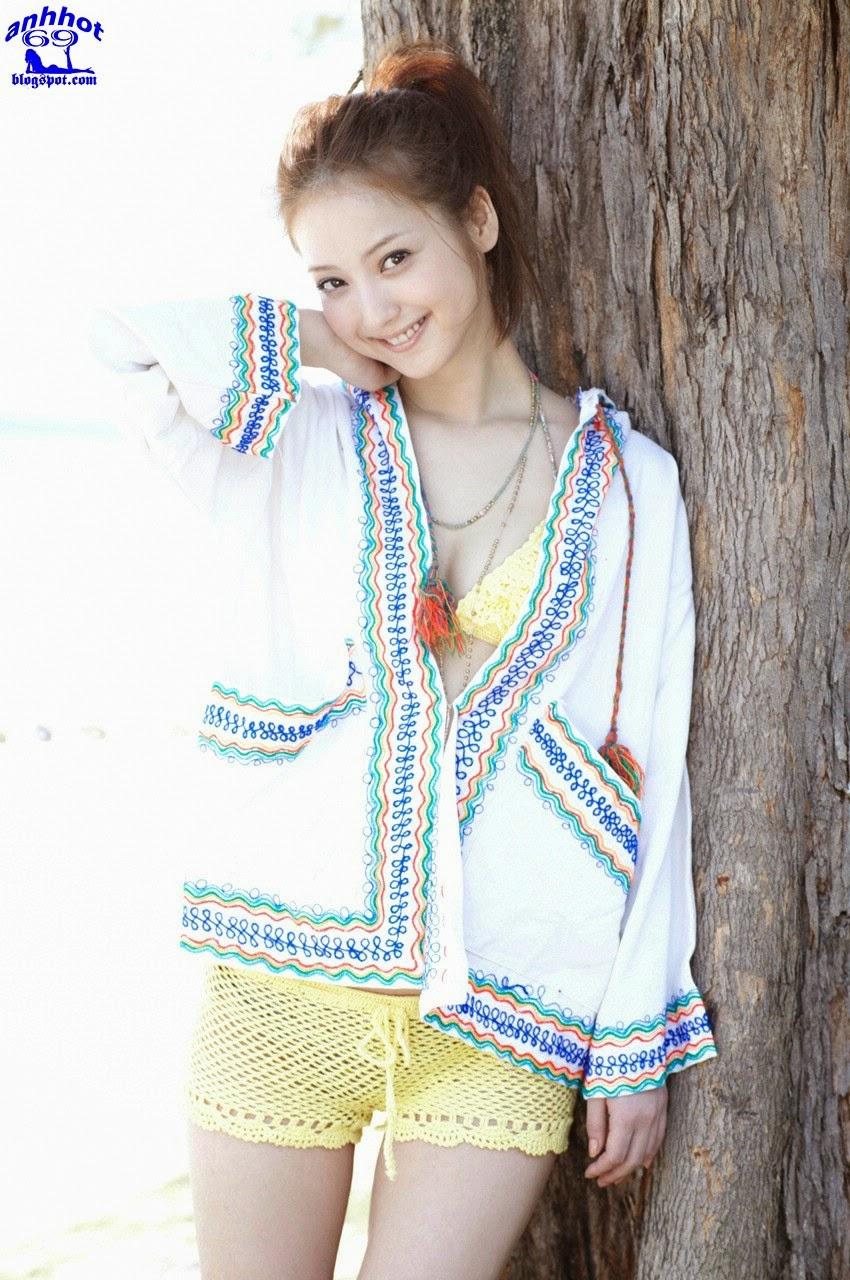 nozomi-sasaki-01141398