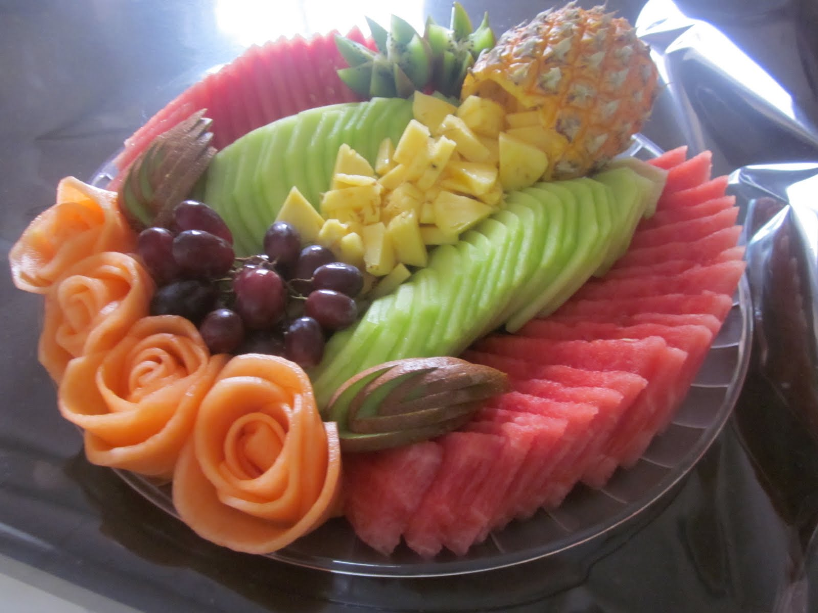 wegmans fruit tray