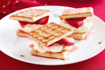 Strawberry and mascarpone lattice wafers Recipe