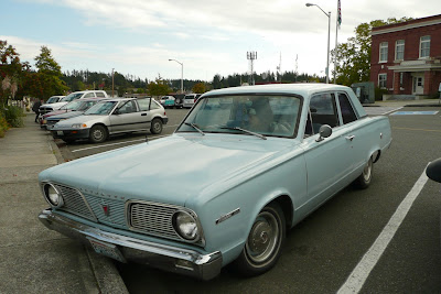 Old Parked Cars 1966 Plymouth Valiant 100