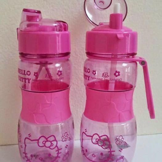Botol minum untuk anak warna pink gambar hello kitty
