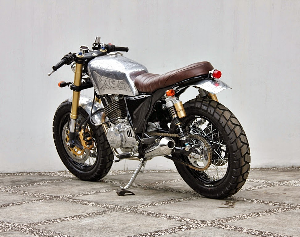 Racing Cafe Suzuki Gsx 250 The Metal Scorpion By Studio Motor