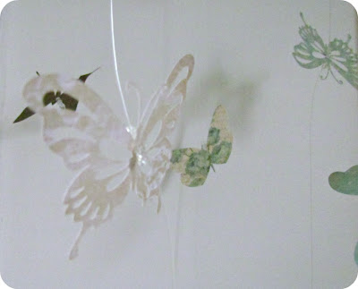DIY Mobile, butterfly mobile, hanging butterflies, Paper butterflies, How to make a mobile