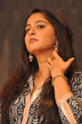 Anushka latest glamorous photos-thumbnail-25