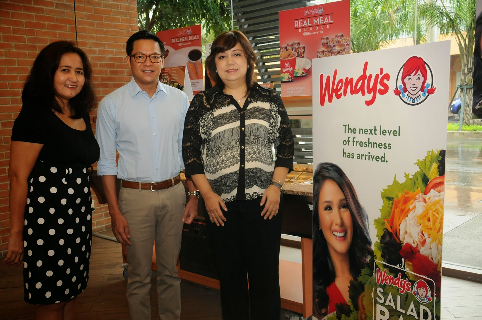 Wendys Salad Bar Is Back Maxi Vanelia Apple 3in1 Mr Michael Kho Ceo President Philippines Center Ms Marizu Baser Left Marketing Director And Mrs Yvette Pardo Orbeta Chairman Of The