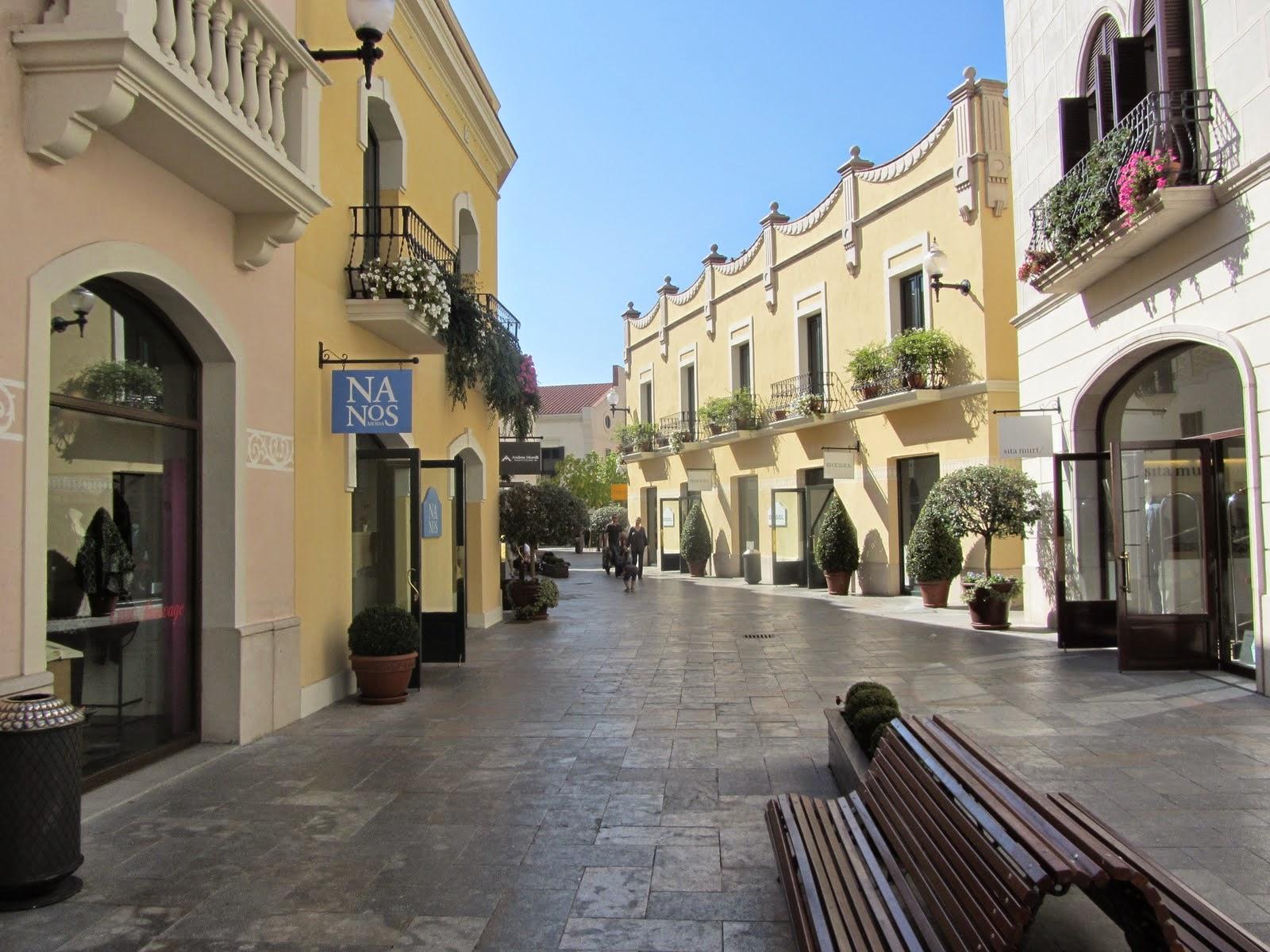 Viajar a barcelona tiendas outlet en barcelona for Las rocas outlet barcelona