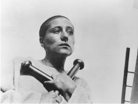 Renée Maria Falconetti in La Passion de Jeanne d'Arc