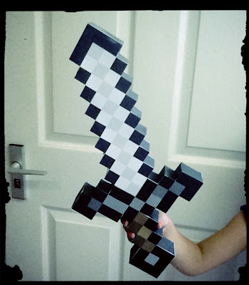 Create papercraft Minecraft Iron Sword