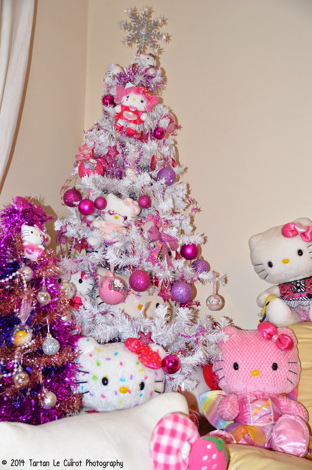 Staying Super Kawaii  Hello Kitty Christmas  Cute decorations
