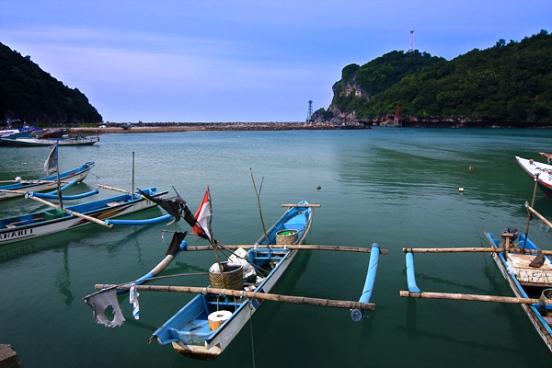Wisata Pantai di Jogja Yogyakarta - Pantai Sadeng Gunung Kidul