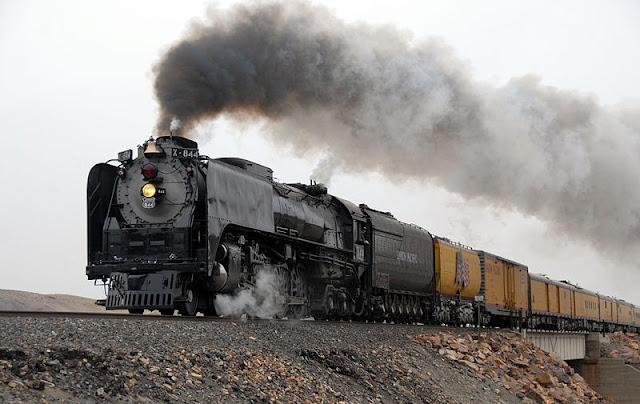 Gambar Kereta Api Lokomotif Uap Union Pacific Northern 4-8-4 844 01