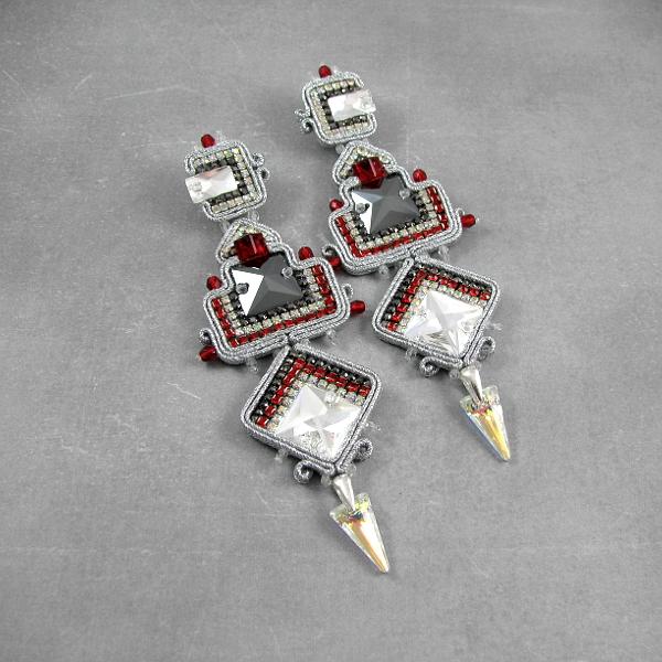 Azteckie kolczyki sutasz z kryształami Swarovski
