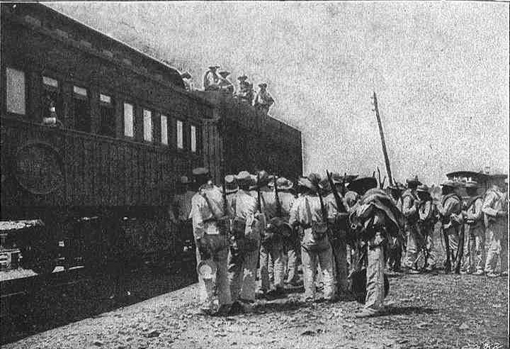 Tropas españolas embarcando en tren, Cuba