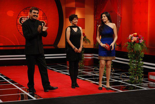 shonali nagrani hosting a show in short dress - Shonali Nagrani Hot Short Dresses Pics - Legs Show