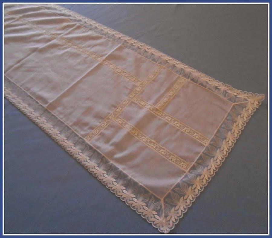 Mesa con tapete for Tapete mesa