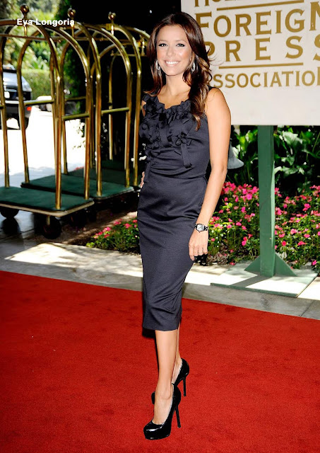 eva longoria 005 Eva Longoria Wearing YSL Black Leather Heels