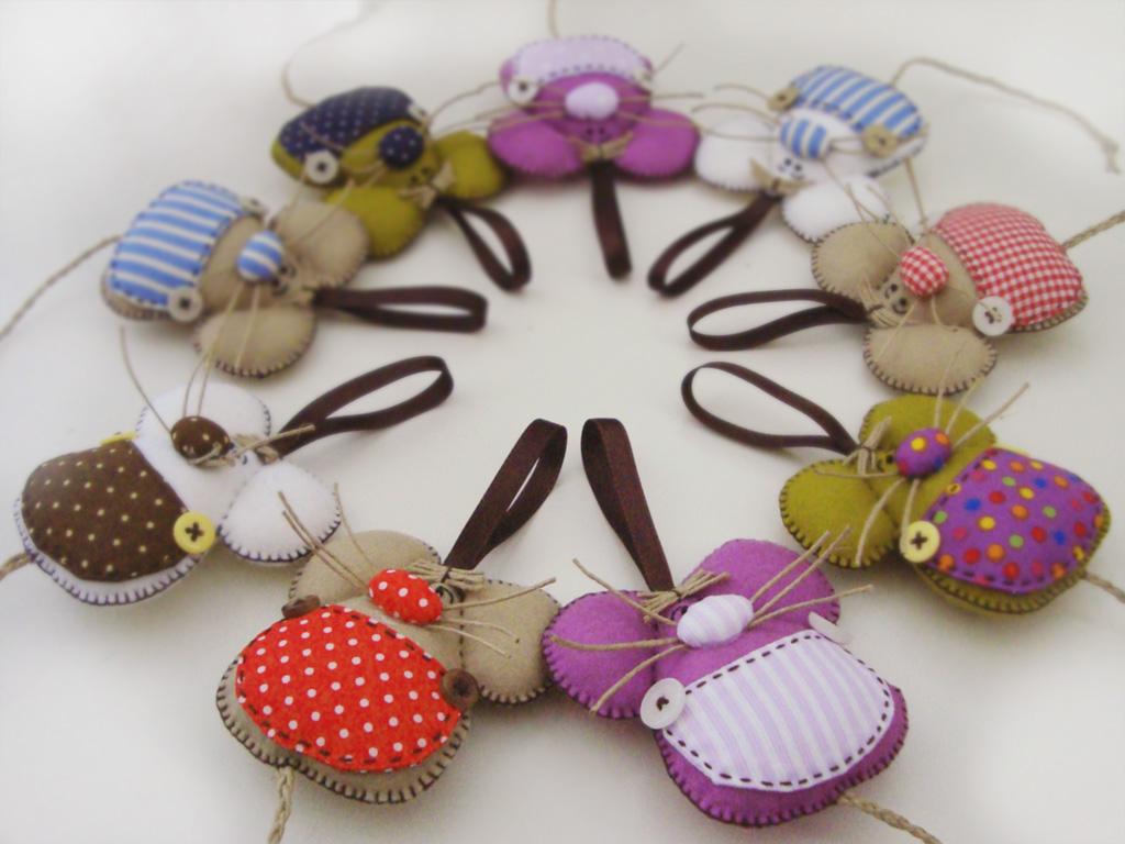 Creativa lorean m s ratones guardadientes de fieltro y tela - Manualidades de telas ...