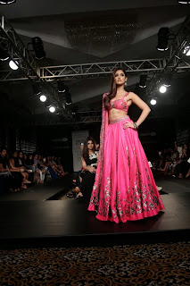 Ileana DCruz Showstopper at LFW 2014 (4).jpg