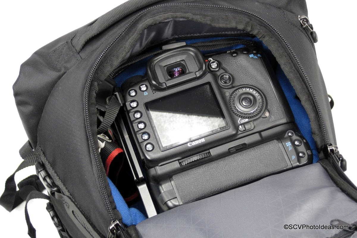 Case Logic DSB-103 w/ extra padded bag insert plus gripped camera & lenses