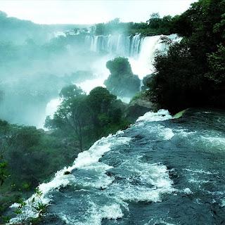 Salto Guardaparque Bernabé Mendez, Parque Nacional de Iguazú, Puerto Iguazú.