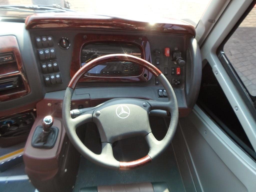 Bus mercedes benz oc 500 rf 2542 tandem axle for Mercedes benz oc