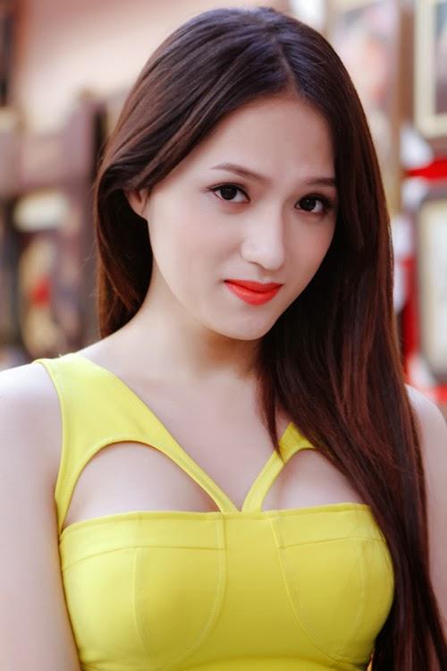 Hương Giang Idol gợi cảm đón xuân về