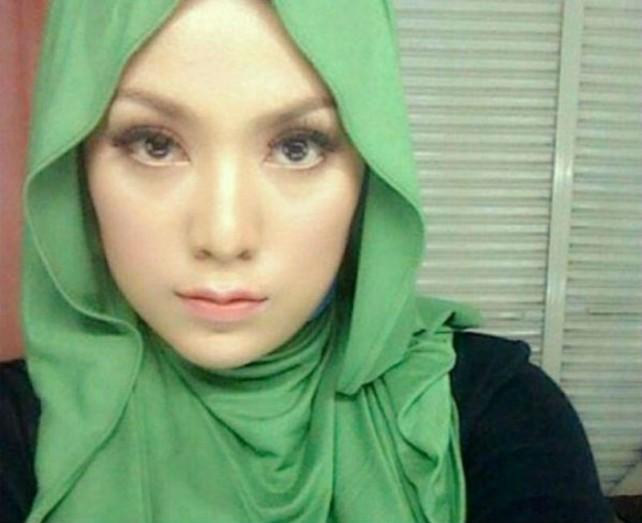 Fesyen Tudung Shila Hamzah Yang Stylo